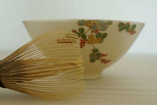 Camellia-garden-ryoanji-tea-ceremony-japan-kyoto-matcha-chawan