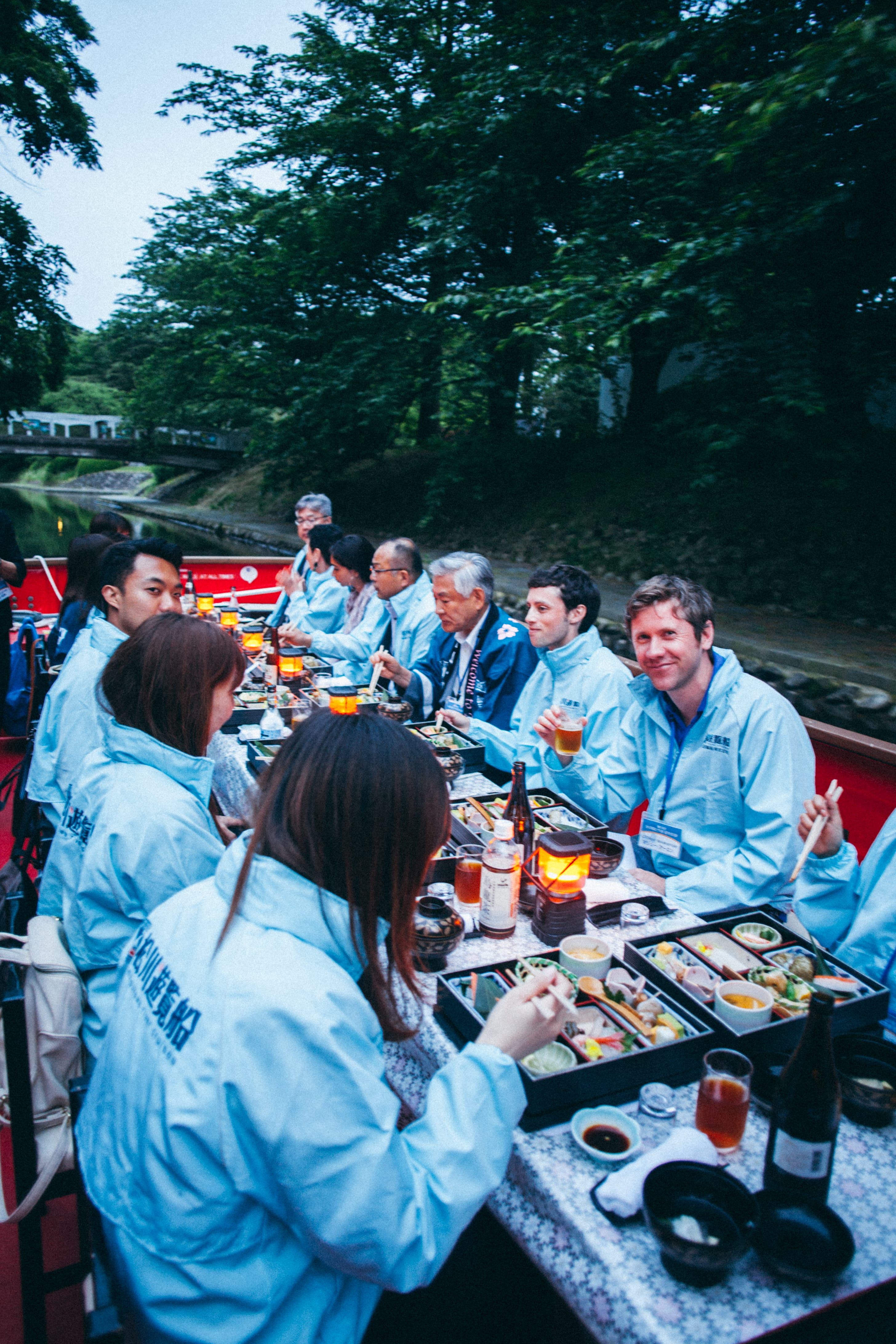 yakatabune-toyama-river-cruise_dinner_Minechika-Endo_kyoto-journal