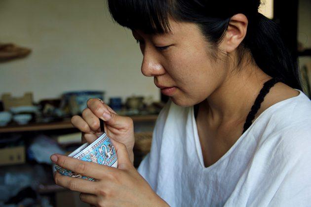 Mio Heki kintsugi repairing ceramics Japan Kyoto